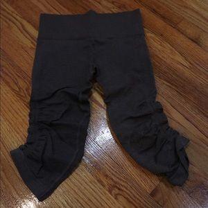 Lululemon crop workout pants